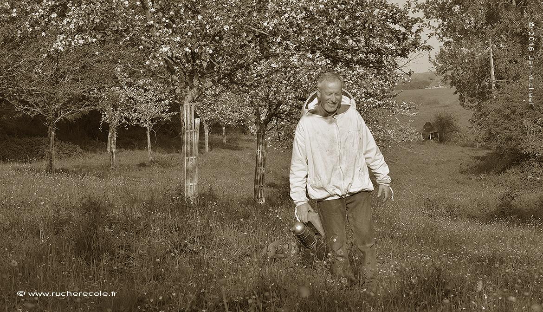Joeêl Macrel agiculteurb Bio et apiculteur naturel