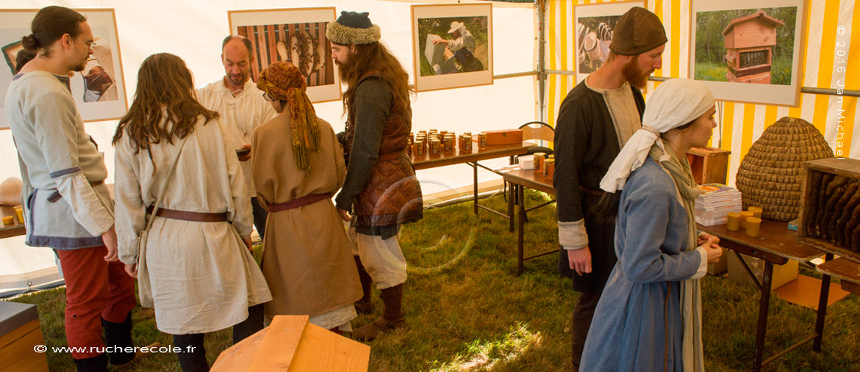 stand rucher école Villa le Bosquet - fête du miel en Calvados