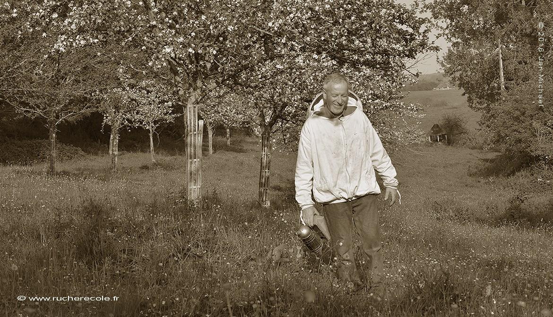 joel-macrel-apiculteur-naturel-et-producteur-de-produits-cidricoles-bio